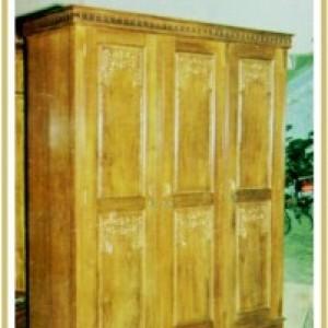 Almari Majapahit 3 Pintu