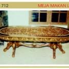 Meja Makan Lafia